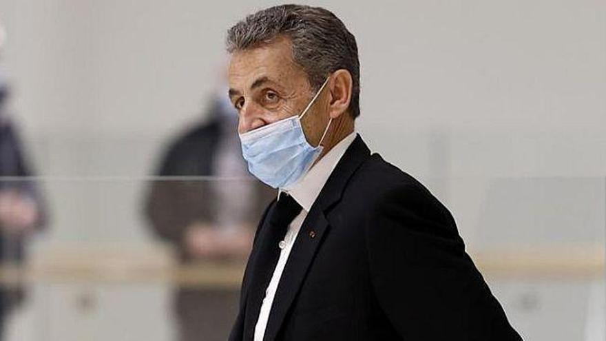 Sarkozy, condemnat a tres anys de presó per corrupció i tràfic d'influències