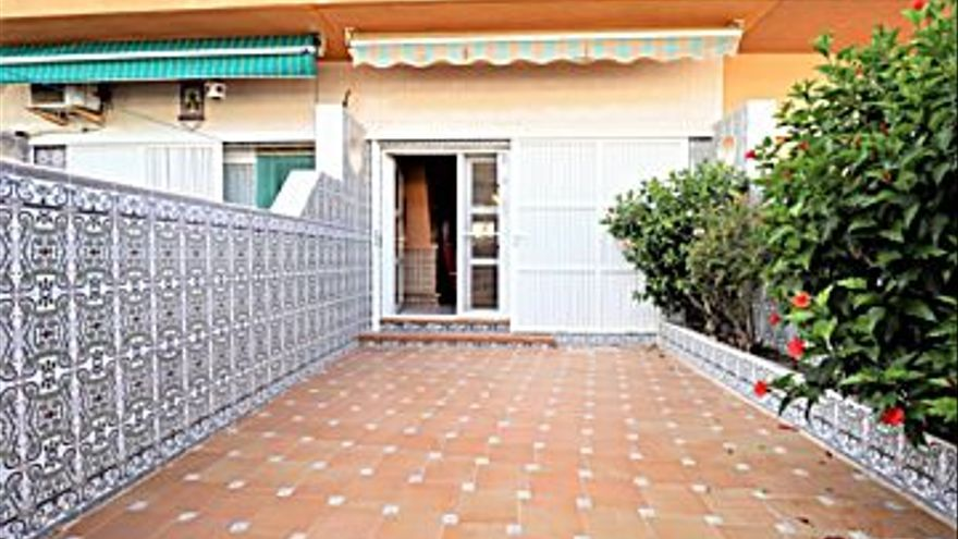 80.000 € Venta de dúplex en Los Alcázares 80 m2, 3 habitaciones, 2 baños, 1.000 €/m2...