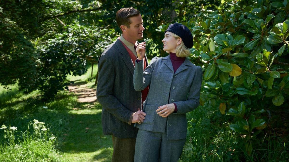 Lily James y Armie Hammer protagonizan 'Rebeca'.