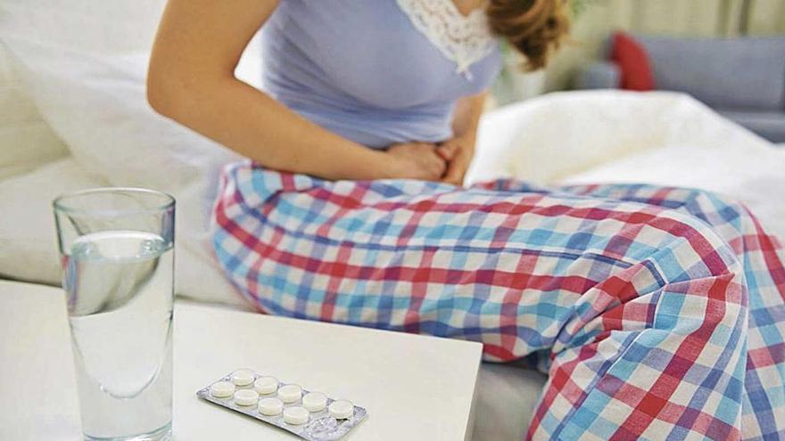 Realizan por primera vez una novedosa cirugía para mitigar el dolor menstrual