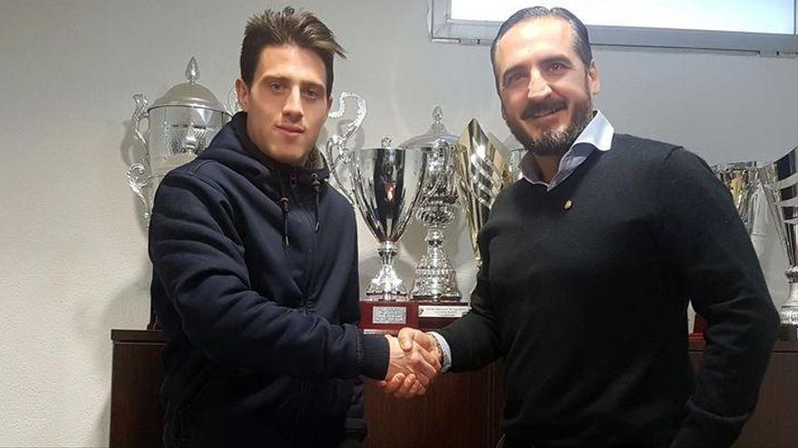 Javi Serra renueva por el CD Castellón una temporada más