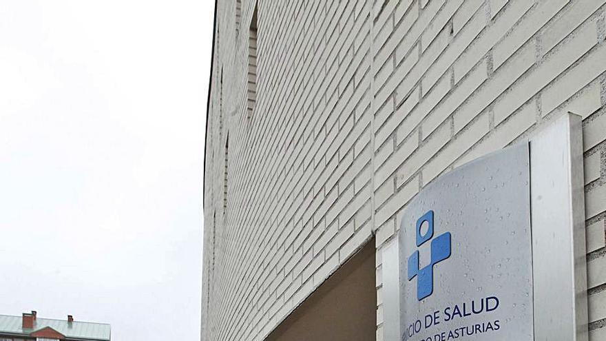 La plantilla pide que se cubra la baja de una pediatra en La Corredoria