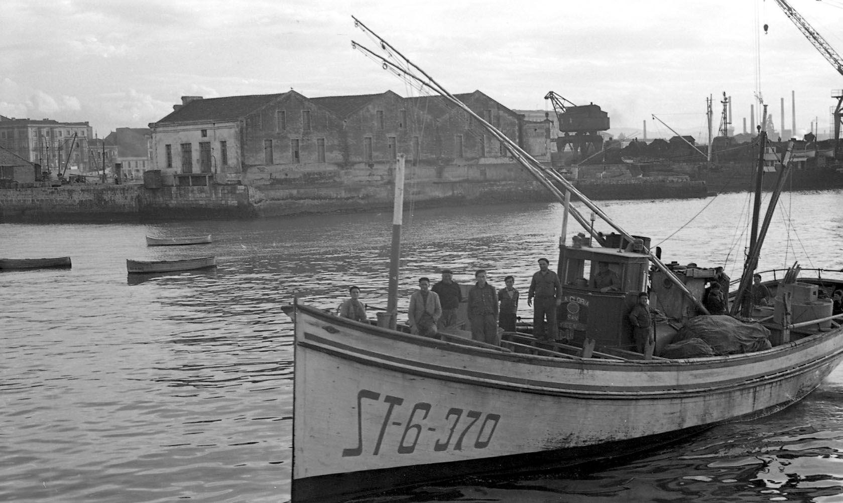 Antepuerto y Fomento. Gij�n-Xix�n, h. 1965.jpg