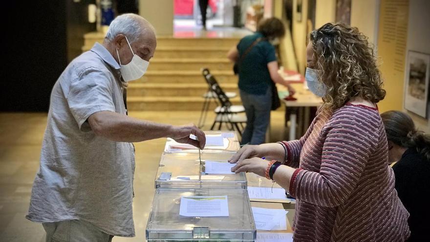 La participación en las primarias de Més llega casi al 40% del censo