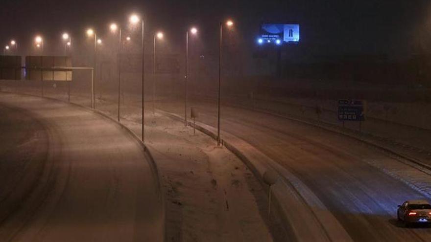La UME interviene en el rescate de unos 1.000 conductores en Madrid