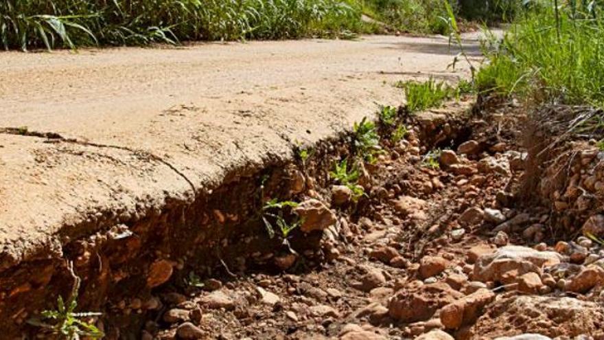 Alzira retirará 14 años después el asfaltado del barranco que exigía la CHJ
