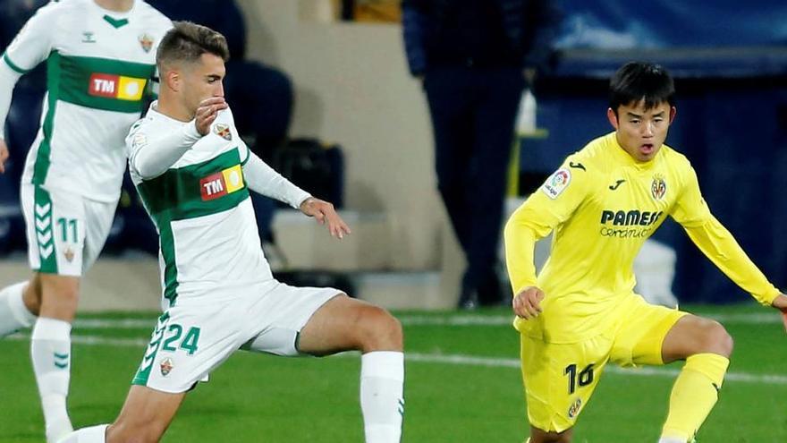 Villarreal y Elche empatan sin goles en un encuentro intenso