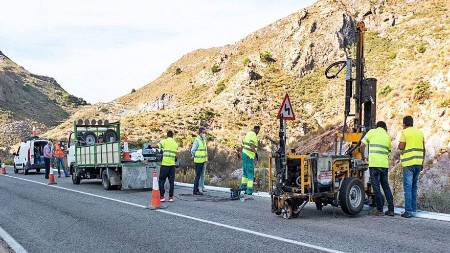Reforman la carretera de las Cuestas del Cedacero para evitar accidentes