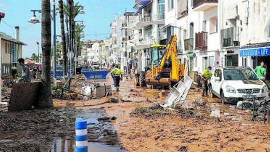 Desolació a Alcanar per  la pluja: «Ha estat com  si el mar entrés a casa»
