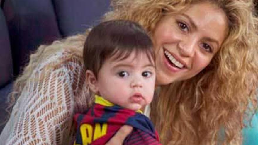 """Shakira no irá a los """"Grammy"""" tras la hospitalización de su hijo"""