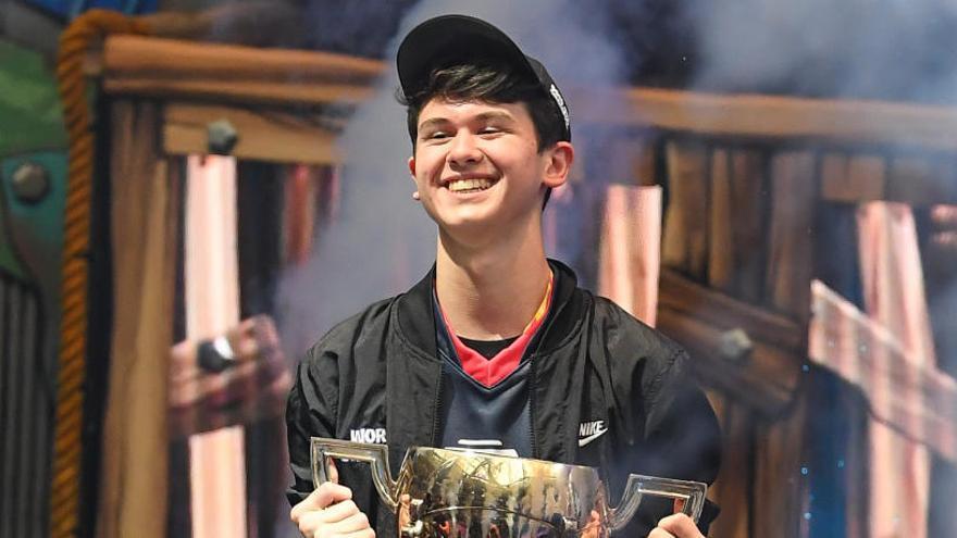 Un jove de 16 anys guanya la Copa del Món de Fortnite i s'embutxaca 3 milions