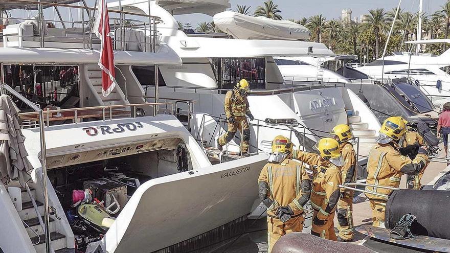 Alarma por un incendio en un yate en Palma
