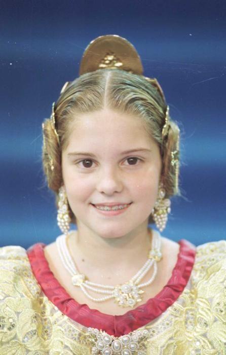 Corte 2000. Beatriz Donnay, que nueve años después reaparecería en la corte mayor de Marta Agustín.