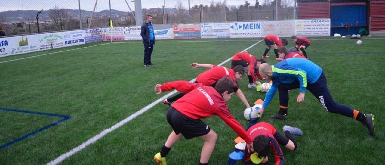 Un entrenamiento de un equipo de categorías inferiores