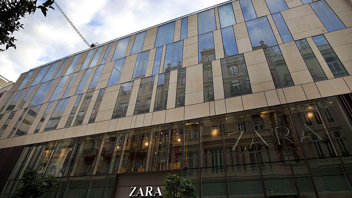 Inditex cierra 10 tiendas en la Comunitat Valenciana, entre ellas el Zara del paseo de Ruzafa, en València.