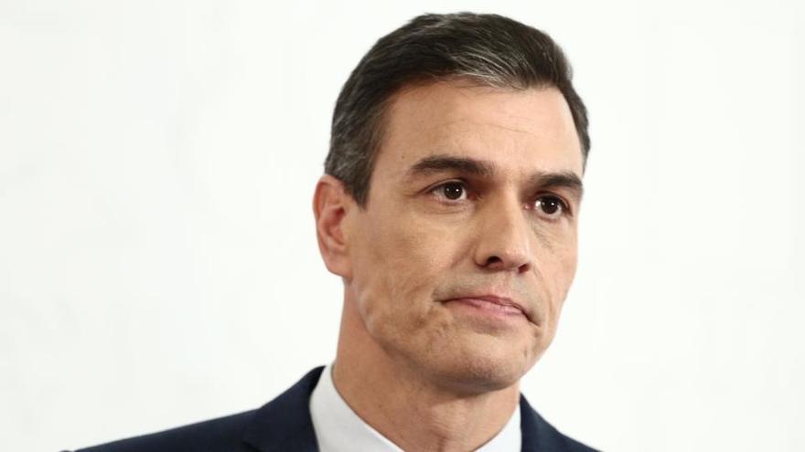 Sánchez cumple un año de investidura mientras prepara un cambio en su Gobierno
