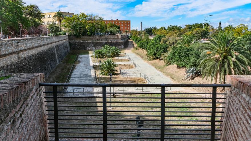 La Cívica rechaza la pista de patinaje en el foso de la muralla junto a Puerta de Palmas