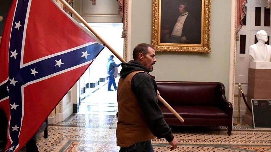 La herida racial vuelve a sangrar en el asalto al Capitolio