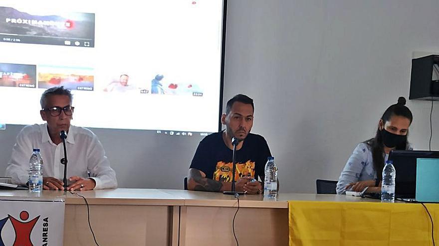 L'autor de «Matarife» explica a Manresa la situació de Colòmbia