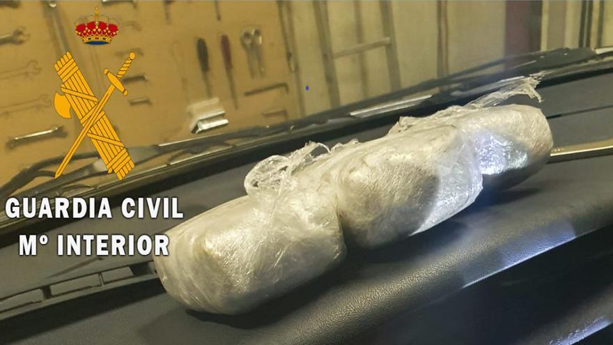 L'aire condicionat d'un cotxe ocultava quatre quilos de droga, a la Jonquera