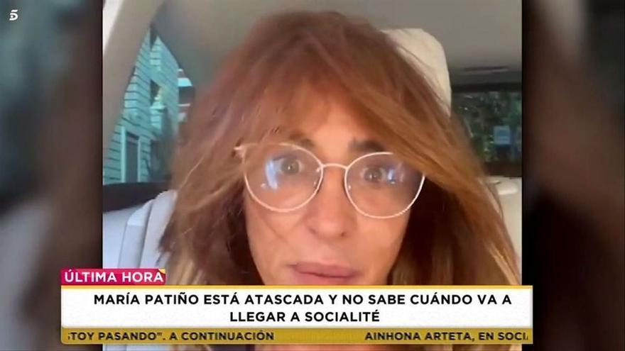 María Patiño llega tarde a 'Socialité' y termina presentado en chándal