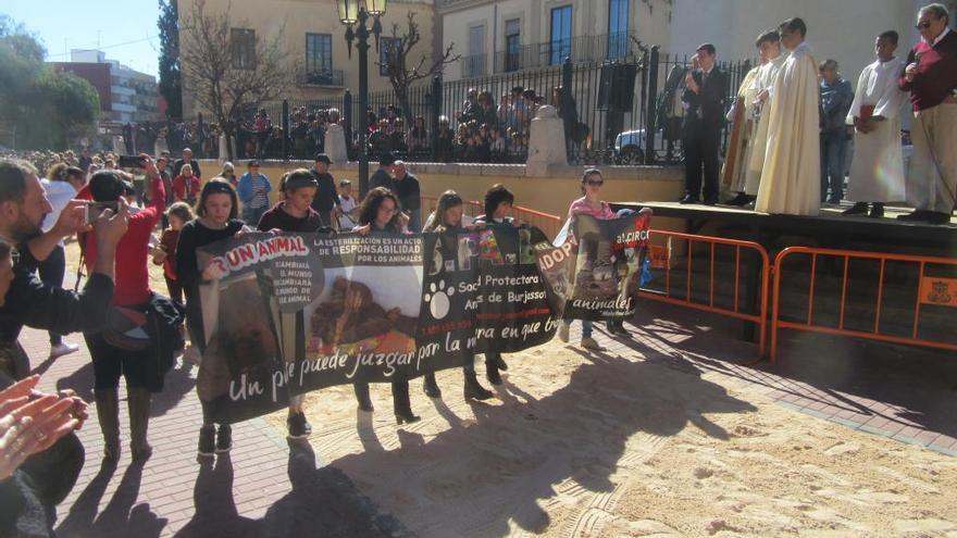 Burjassot celebra su reivindicativa bendición de animales