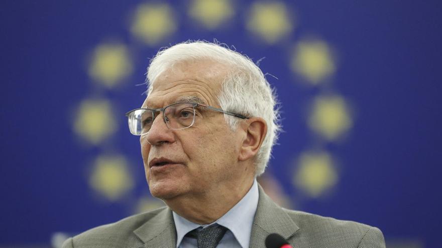 """Borrell defiende el diálogo con Cuba y rechaza la """"incomunicación"""" de la era Aznar"""
