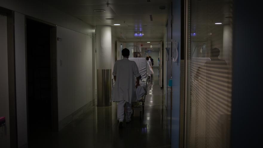 """Los sanitarios, desesperados ante la quinta ola: """"Sin vacunas, el escenario sería apocalíptico"""""""