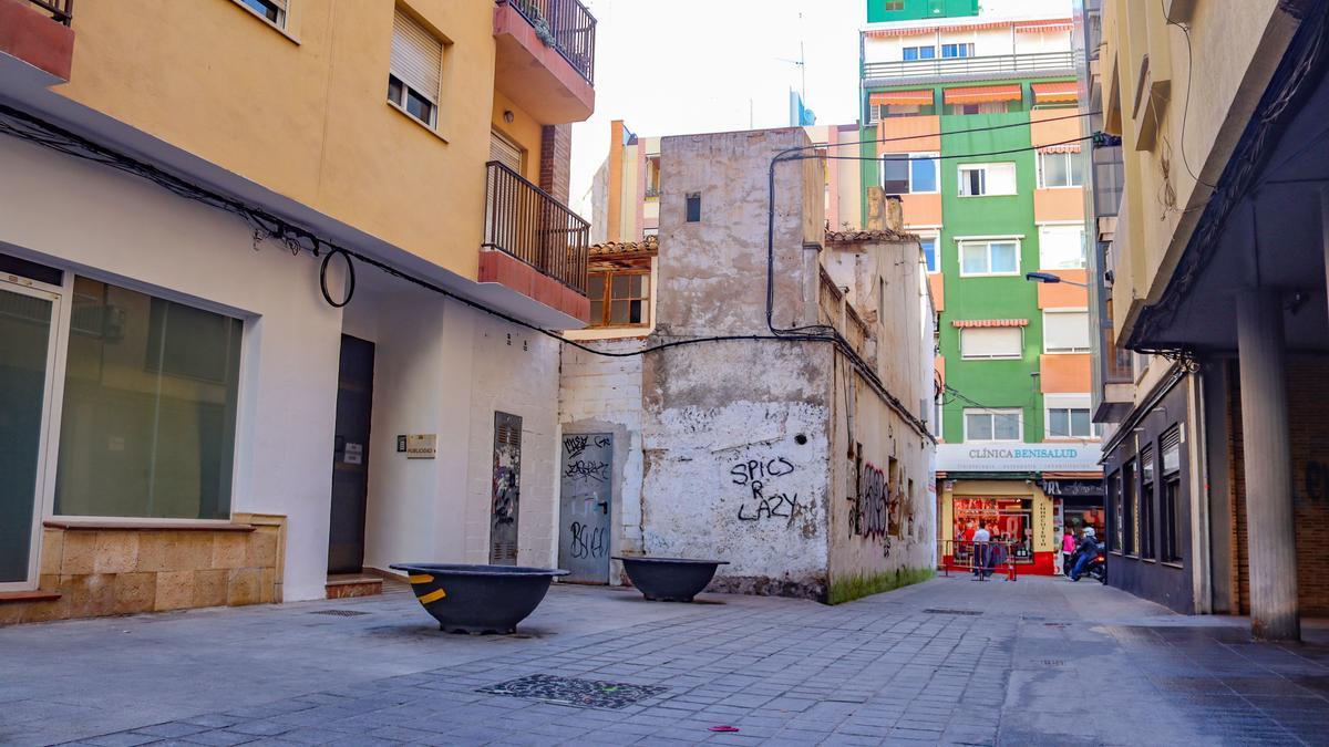 Benidorm expropia por 59.000 euros un trozo de un edificio para ampliar la calle Garita