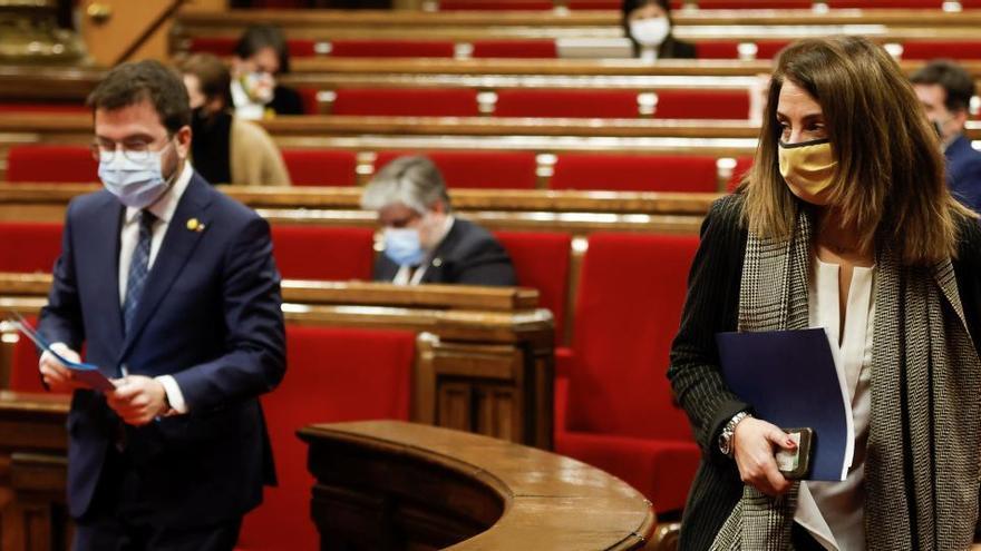 El Gobierno de Cataluña contempla aplazar las elecciones a finales de mayo