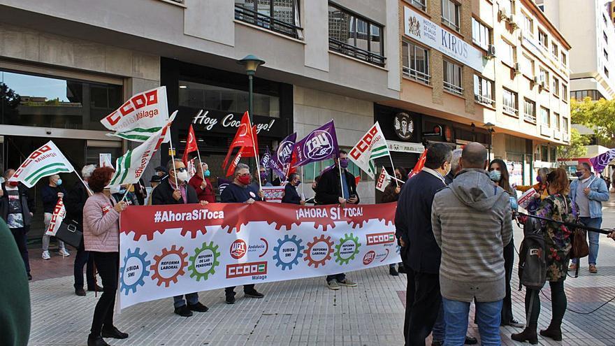 Los sindicatos piden que el SMI suba a mil euros y el fin de la reforma laboral
