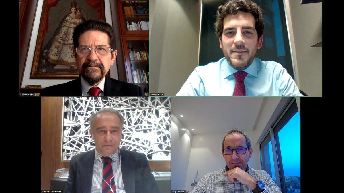 Mario de Gandarillas, Jorge Suárez, Carlos Núñez y Jorge Calin, durante la presentación del libro.