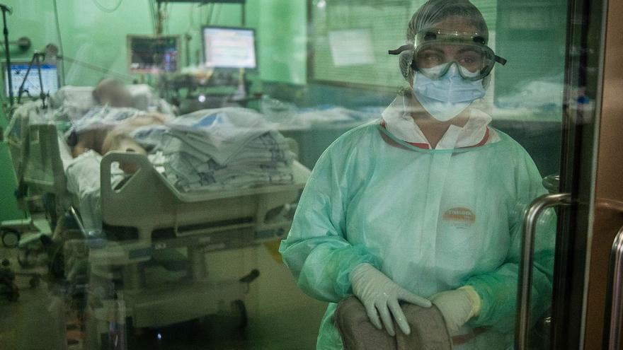 La presión hospitalaria en Canarias muestra su mayor caída desde el confinamiento
