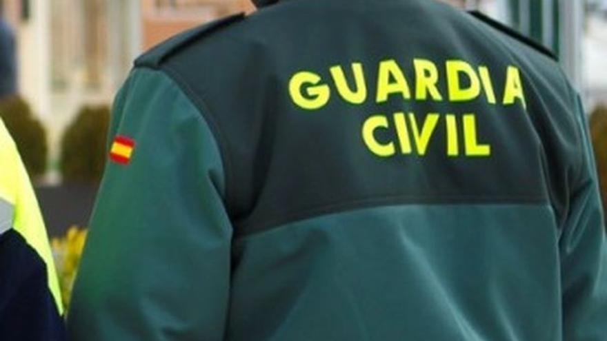 Se planta en el cuartel de la Guardia Civil de Santomera tras ser apuñalado