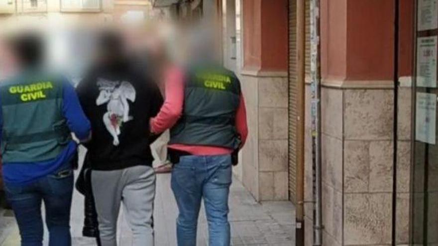 Cae una red criminal asentada en València dedicada a estafar a entidades bancarias