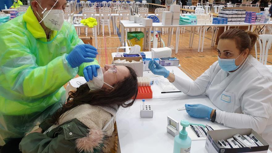 El Sergas hará test de antígenos mañana en siete ciudades gallegas