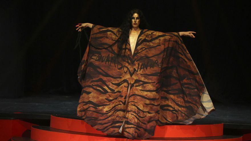 Eduardo Navarrete pone el broche a la primera jornada de la Mercedes-Benz Fashion Week Madrid