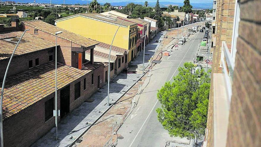 Ayuntamiento y constructora certifican la buena ejecución de la obra de la calle San Jaime de Almassora
