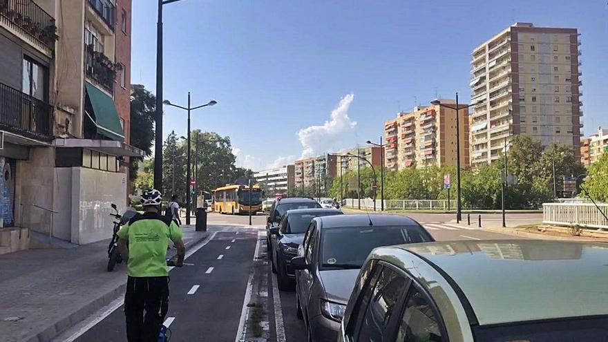Movilidad retoma el carril bici de la avenida del Cid tras un parón de 3 años