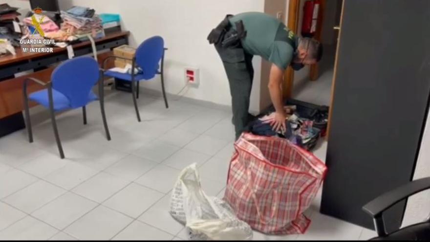 Detenida en Fuerteventura cuando se disponía a embarcar hacia Gran Canaria con ropa y complementos robados por valor de 7.900 euros