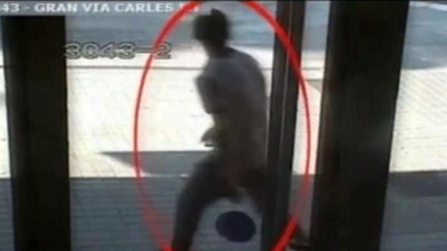 El vídeo que muestra la huida del terrorista del 17-A