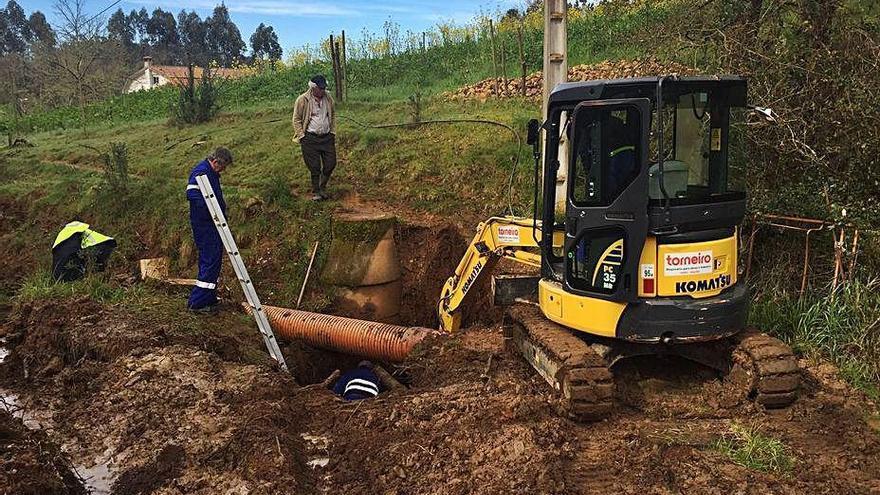 Solo una empresa opta al contrato para asesorar a Cambre en la regularización del servicio de agua
