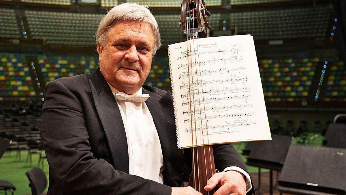 El músico Serguéi Rechetilov, en su último concierto con la Sinfónica.