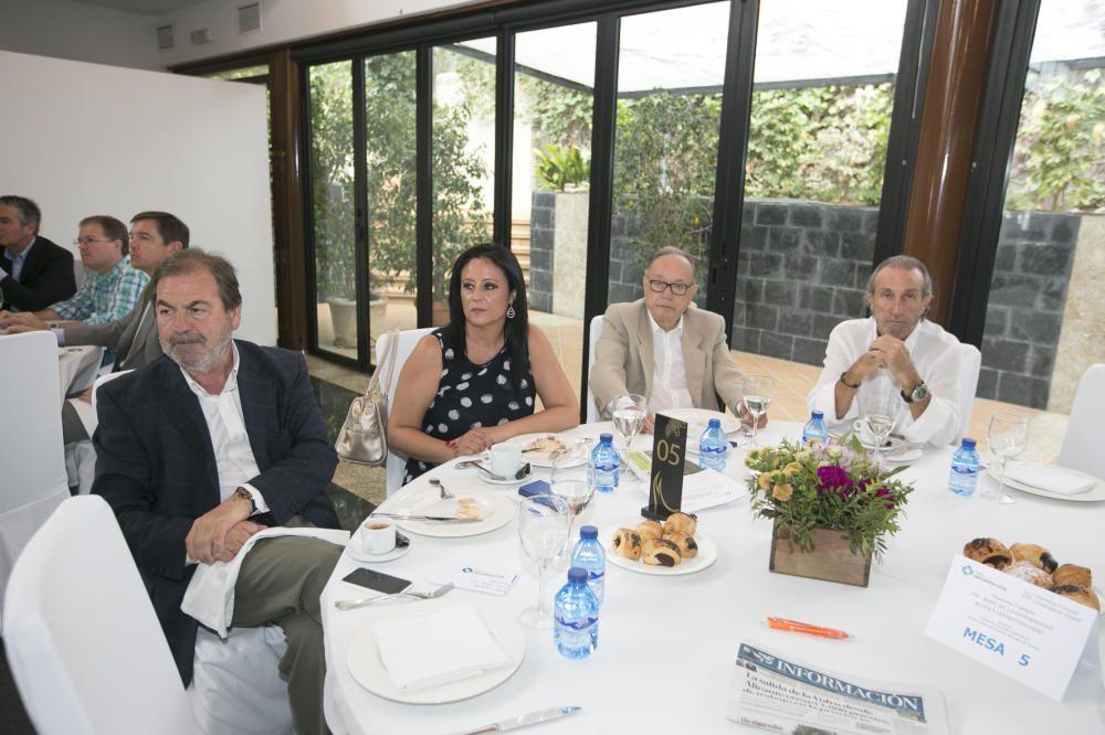 De izquierda a derecha, Javier Verdú (presidente de FOPA); Rosa Vinal (secretaria general de FOPA); Guillermo Moreno (presidente de FEMPA); y Manuel J. Rodríguez-Murcia (empresario).
