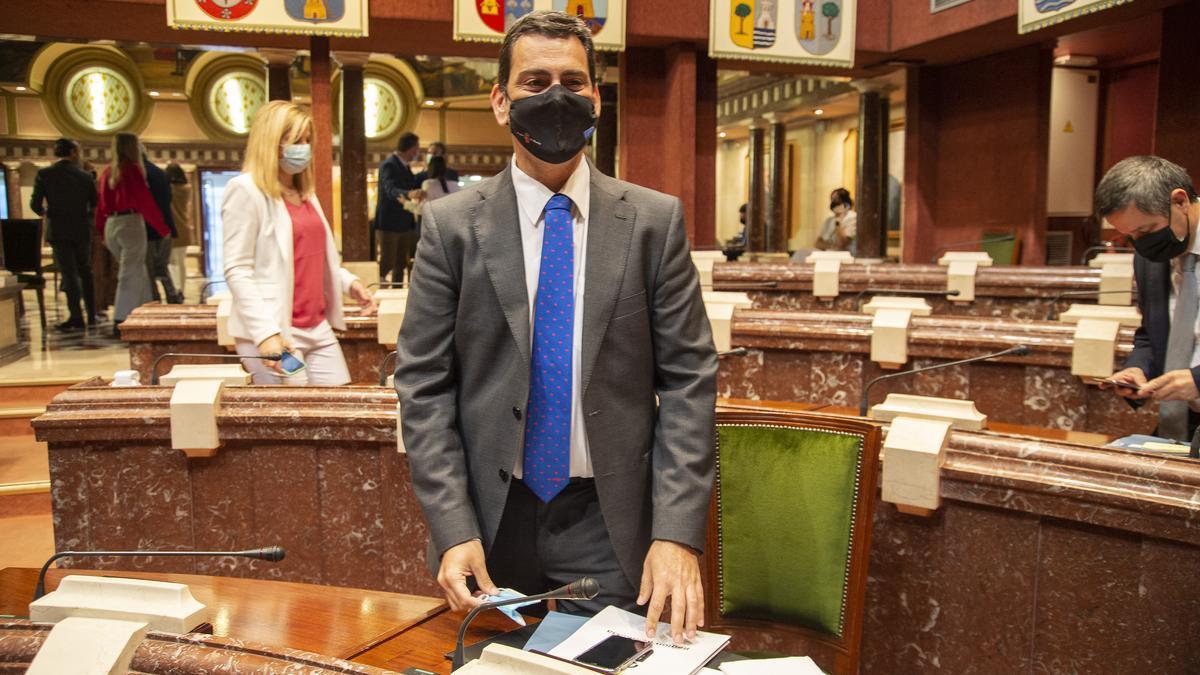 José Ramón Díez de Revenga presenta el presupuesto de Fomento en la Asamblea Regional