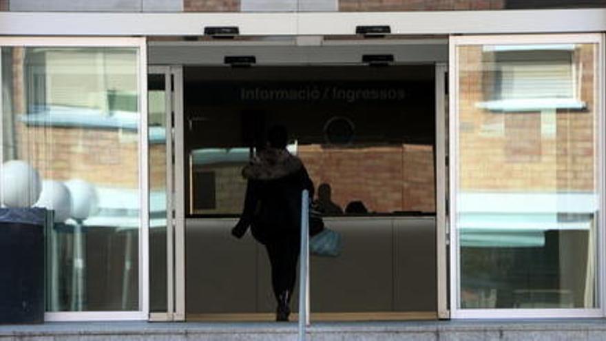 Els hospitals de Martorell i Manresa donen els medicaments descartats de la covid