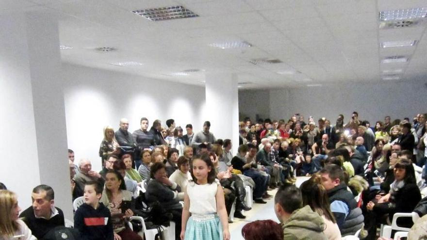 La Feria de la Moda & BBC de El Entrego cierra sus puertas con éxito de público