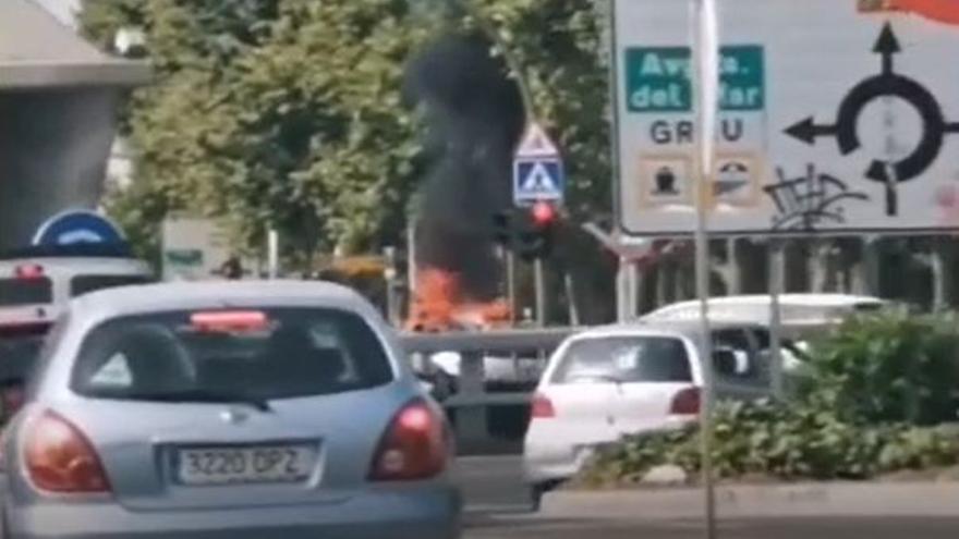 Incendio de un vehículo en Castelló