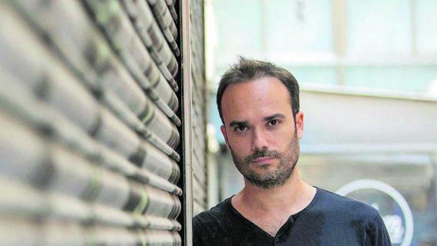 Miguel Eek: «El cine documental más rico no nace con la intención de sensibilizar o de cambiar el mundo»