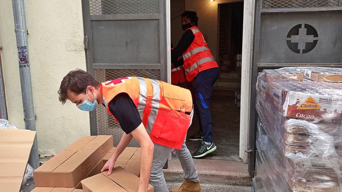 Tasques de la Creu Roja per posar en marxa el Programa 2021 d'Ajuda Alimentària.  | CREU ROJA